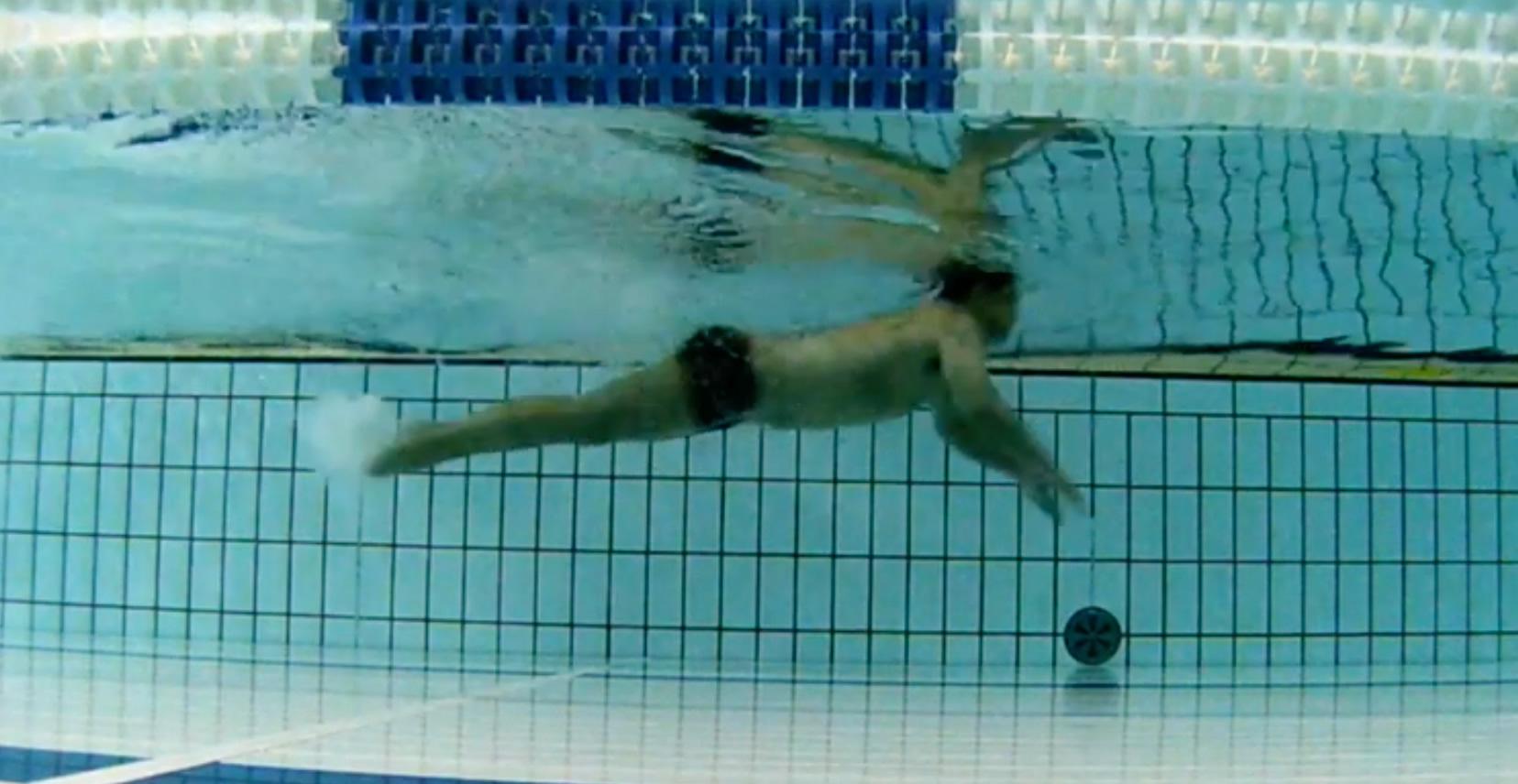 バタフライを楽に泳ぐ「4ステップ」の泳ぎ方