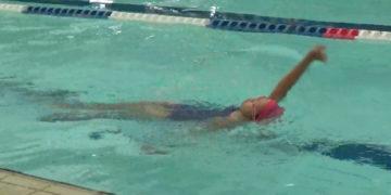 子供の背泳ぎ 泳ぎ方・教え方